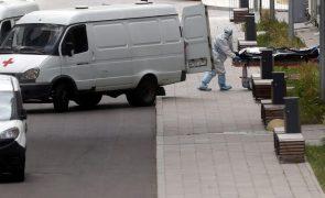 Covid-19: Rússia contabiliza mais 819 mortes e atinge novo máximo diário