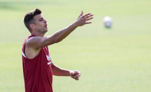 Piqué baixa salário e FC Barcelona inscreve reforços
