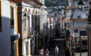 Governo alarga a residentes no estrangeiro programa de apoio à mobilidade para o interior