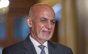 Afeganistão: Presidente Ashraf Ghani abandonou o país