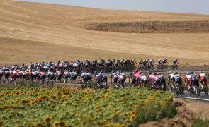Vuelta: Jasper Philipsen vence segunda etapa, Primoz Roglic conserva liderança