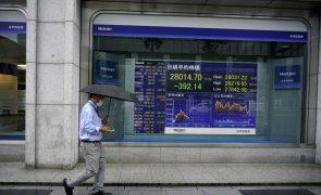 Bolsa de Tóquio abre a perder 1,44%