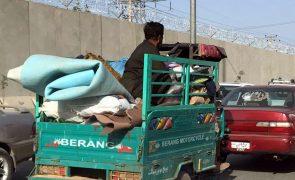 Afeganistão: Talibãs declaram vitória e fim da guerra