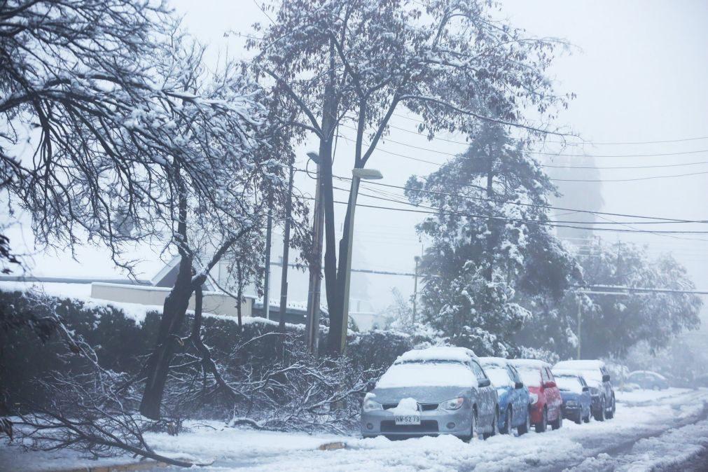 Mais de 71.000 casas sem eletricidade em Santiago do Chile