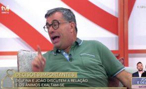 Quintino Aires exalta-se e ataca concorrente de 'O Amor Acontece'