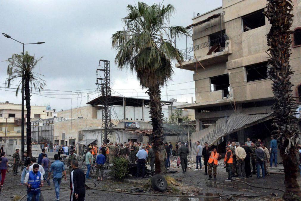 Pelo menos 10 mortos no ataque do Estado Islâmico contra efetivos sírios