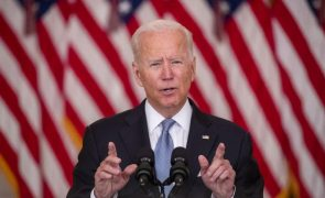 Joe Biden ameaça talibãs com