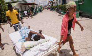 Número de vitimas do sismo no Haiti elevado para 1.419 mortos e 6.000 feridos