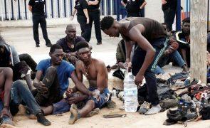 Migrações: 57 subsaarianos entram em Melilha após saltarem a cerca fronteiriça
