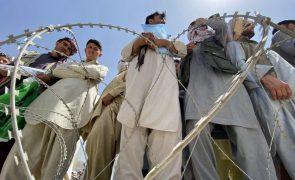 Afeganistão: EUA disponíveis para manter presença diplomática em Cabul