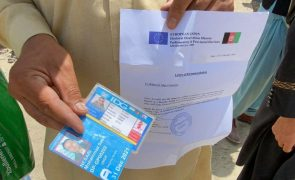 Afeganistão: Estados Unidos já retiraram 3.200 pessoas
