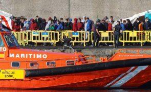 Perto de 2.000 migrantes irregulares entraram em Espanha nos últimos 15 dias