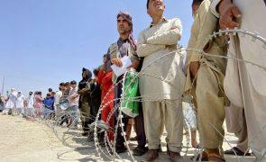 Afeganistão: Dirigentes talibãs reuniram-se com ex-PR afegão Hamid Karzai