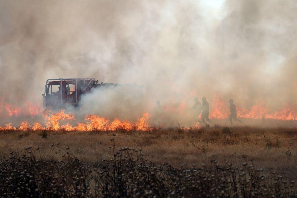 Incêndios: Governo prolonga situação de alerta até quinta-feira em 14 distritos