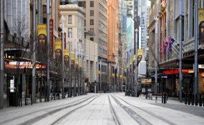 Covid-19: Estado australiano prolonga confinamento de zonas rurais após novo máximo diário