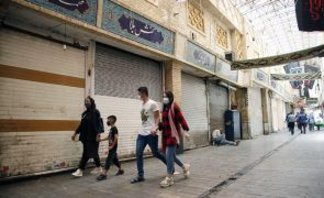 Covid-19: Irão ultrapassa barreira dos 100 mil mortos