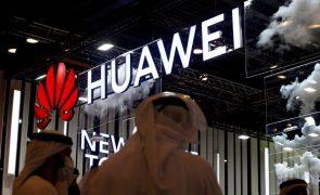 Brasil espera leiloar rede 5G este ano e superar vetos à Huawei
