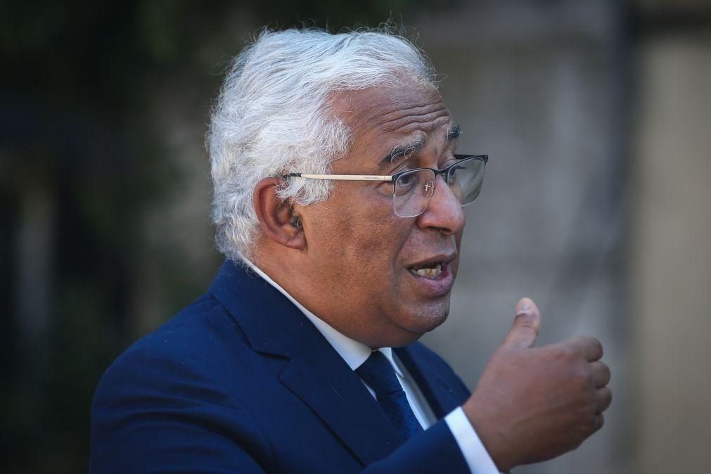 António Costa admite baixa de IRS para classe média e aumento do abono