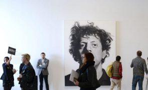 Acusado de assédio sexual, pintor Chuck Close morre aos 81 anos