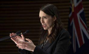 Covid-19: Nova Zelândia alarga confinamento a todo o país