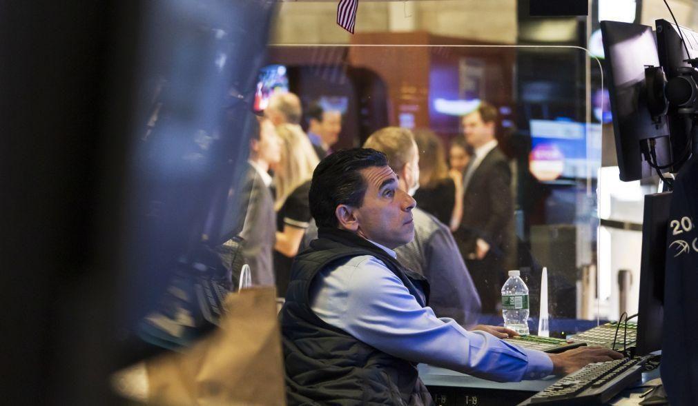 Wall Street sobe a tentar recuperar das perdas recentes