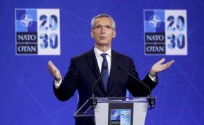 Afeganistão: Maior desafio é assegurar chegada ao aeroporto dos que querem partir - NATO