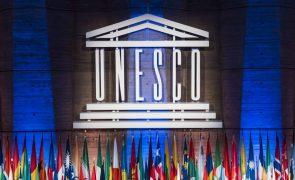 Afeganistão: UNESCO pede liberdade de expressão e segurança para jornalistas