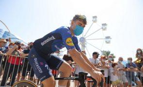 Vuelta: Jakobsen triunfa pela segunda vez, Roglic conserva liderança