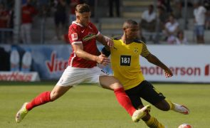 Borussia Dortmund perde em Friburgo e Wolfsburgo isola-se na frente a Bundesliga