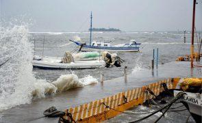 Furacão Grace provoca chuvas torrenciais no centro do México