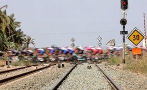Vuelta: Tudo igual, pelotão reserva forças para o Velefique