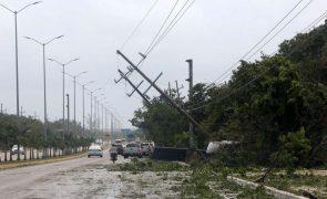 Furacão Grace faz sete mortos no México mas passou a tempestade tropical