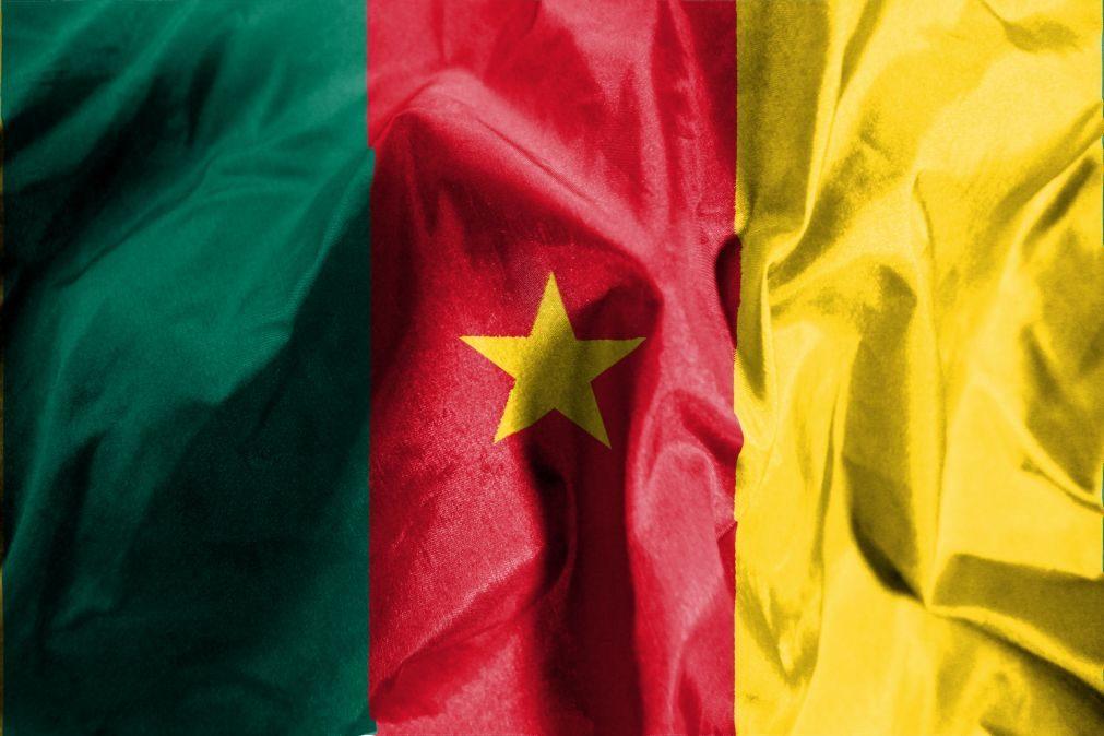 Pelo menos 34 militares desaparecidos em naufrágio nos Camarões