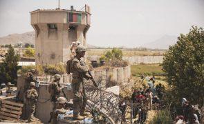 Afeganistão: Norte-americanos instados a evitar aeroporto de Cabul por ameaças à segurança