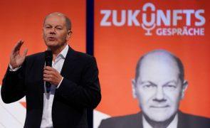 Alemanha/Eleições: Conservadores e SPD empatados nas intenções de voto