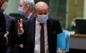 Afeganistão: França pede aos EUA que permaneçam em Cabul o tempo necessário
