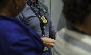 Dois homens com mandados de detenção europeus capturados em aeroportos portugueses