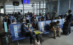 Quase quatro horas de espera nas chegadas do aeroporto de Lisboa devido à greve do SEF