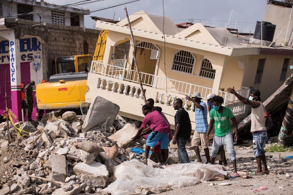 Terramoto no Haiti provocou pelo menos 2.207 mortes indica novo balanço