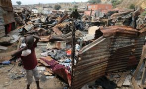 Construção de 456 casas para vítimas de catástrofes em Luanda custa 21,6 ME