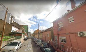 Homem assassinado a tiro em frente à namorada na Amadora