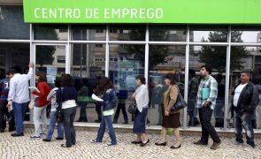 Número de desempregados recua 9,5% em julho