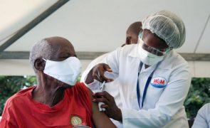 Covid-19: Moçambique inicia administração de segunda dose de vacina na quarta-feira
