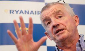 Ryanair acusa TAP de bloquear artificialmente 'slots' no aeroporto de Lisboa