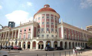 Banco central angolanorevoga licença de cinco instituições financeirasnão bancárias