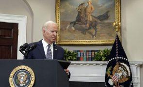 Afeganistão: EUA mantêm intenção de sair do país a 31 de agosto - Biden