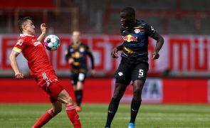 Avançado Petar Musa emprestado pelo Slavia Praga ao Boavista por uma temporada