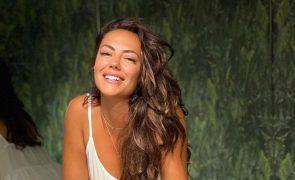Sofia Ribeiro mostra-se ao lado do novo namorado [vídeos]