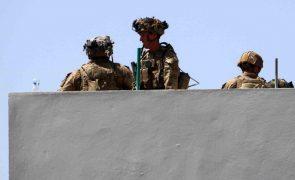 Afeganistão: EUA confirmam pelo menos 12 fuzileiros mortos e 15 militares feridos