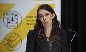 Covid-19: Nova Zelândia anuncia confinamento menos rigoroso a partir de setembro